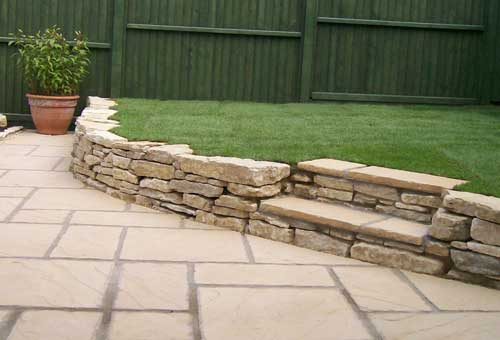 outdoor stone for large commercial projects and gardens